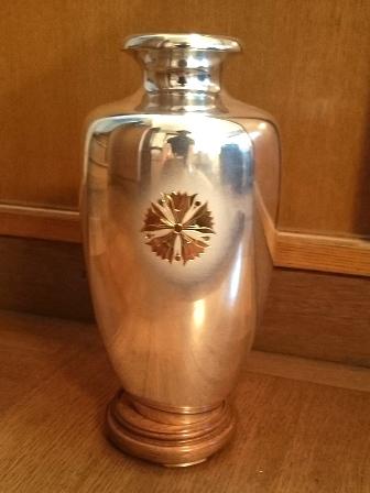 恩賜財団 紋入 純銀花瓶